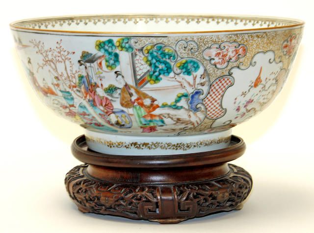 A Chinese export bowl, 18th century