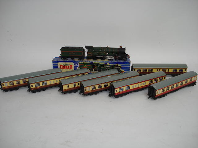 Hornby Dublo Bristol Castle, passenger coaches, wagons and accessories lot