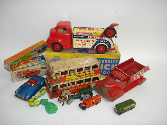 Various tin toys lot