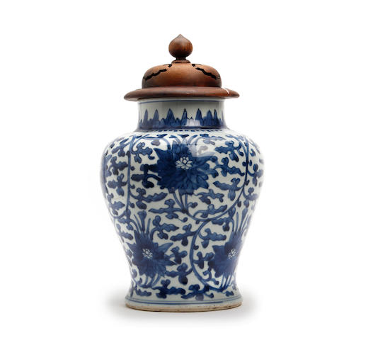 A Chinese blue and white baluster vase Kangxi