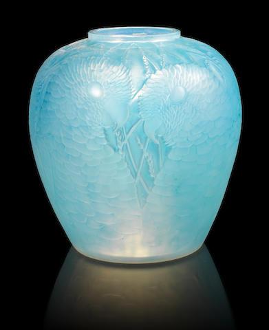 René Lalique 'Alicante' a Vase, design 1927