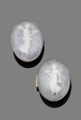 A pair of late 18th century shell cameos (2)