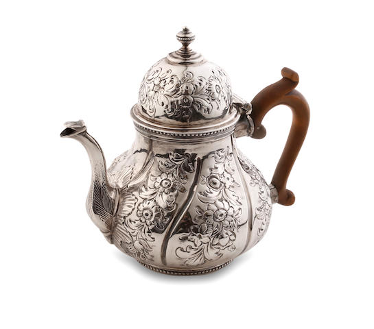 A Victorian silver  tea pot George Lambert London 1887