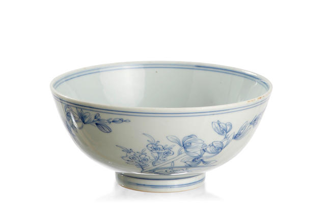 A unusual and large Chinese blue and white 'magnolia' bowl Six-character double-ring Chenghua mark, Qianlong or earlier