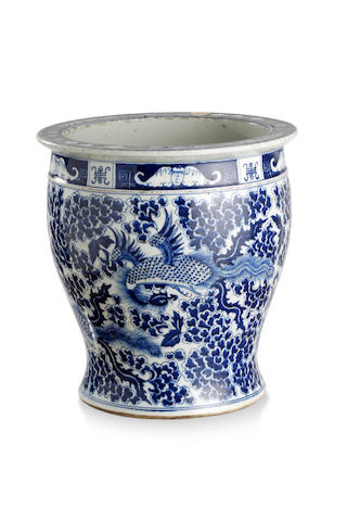 A Chinese blue-and-white fish bowl Late Qing Dynasty
