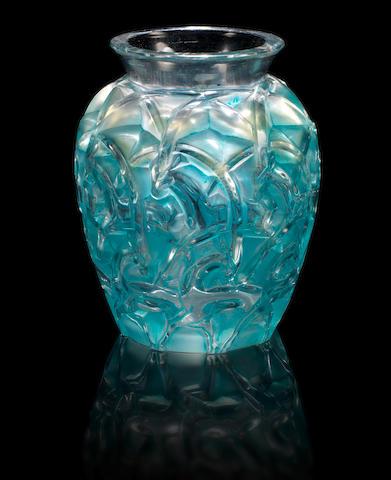 René Lalique 'Chamois' a Vase, design 1931
