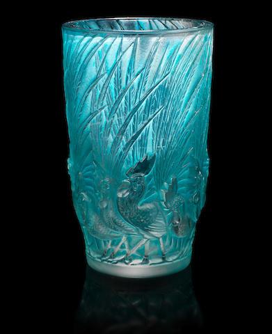 René Lalique 'Coqs et Plumes' a Vase, design 1928
