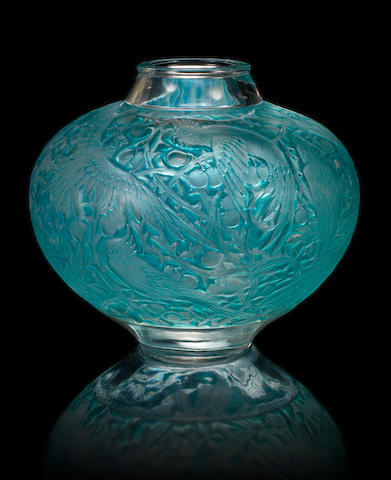 René Lalique 'Aras' a Vase, design 1924