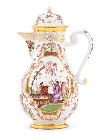 A Meissen Chinoiserie coffee pot and cover (chip to knop)