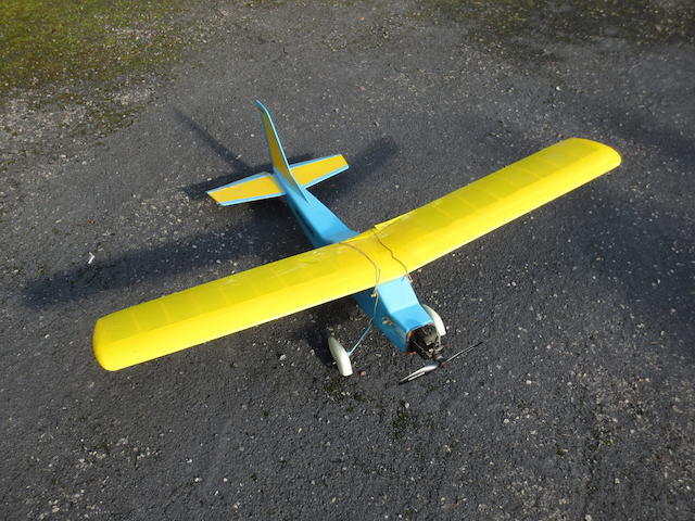 A built-to-fly scale powered glider model by Modelhob,