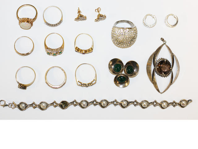Assorted rings, earstuds, bracelet, brooches etc