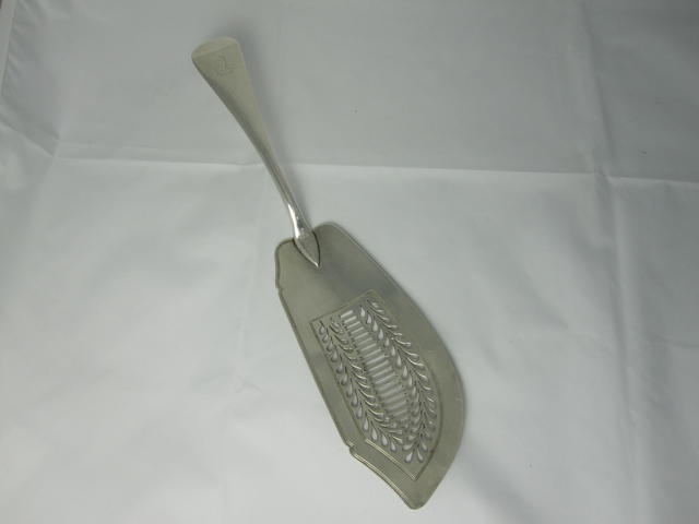 An Old English pattern fish slice by William Eley & William Fearn, London 1818