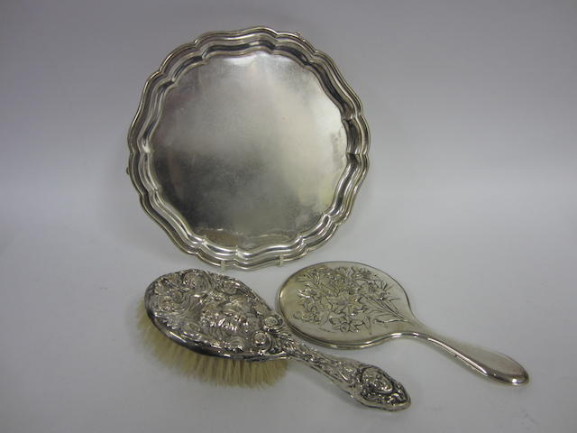 A silver Edwardian hair brush and hand mirror Birmingham 1907-1908  (3)