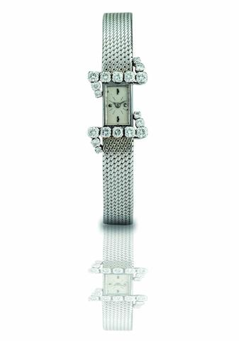 Vacheron Constantin. A fine 18ct white gold and diamond set lady's manual wind bracelet watch Case No.375154, Circa 1960