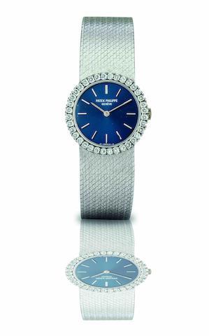 Patek Philippe. A fine and rare 18ct white gold and diamond set lady's bracelet watch Ref:4182/1, Case No.2769854, Movement No.1279889, Circa 1970