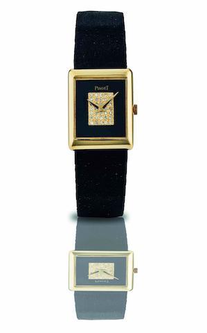Piaget. A fine 18ct gold, onyx and diamond set lady's manual wind wristwatch Case No.4080 325799, Movement No.792560, Circa 1980