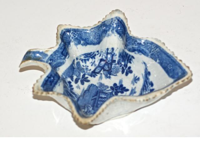 An 18th century English pickle dish