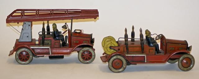 A Tipp & Co clockwork tinplate fire engine, circa 1930