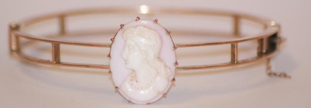 An Australian cameo bangle, circa 1880