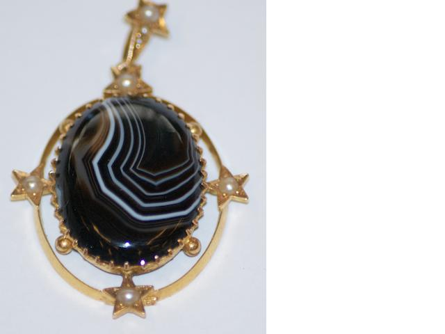 An Australian banded agate and seed pearl pendant by G.H. Palfrey, Little Collins Street Melbourne, circa 1900