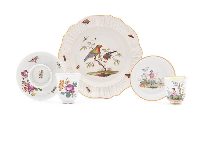 A ludwigsburg ornithological plate and two Vienna cups