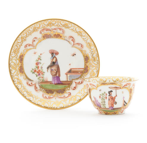 A Meissen chinoiserie teabowl and saucer