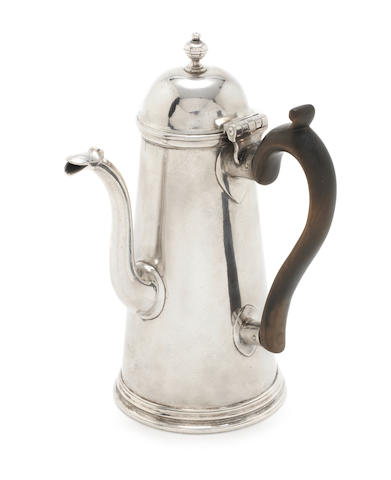 TO APC - FOR OCTOBER 800 - 1000 a silver coffee pot, George Wickes, 1724
