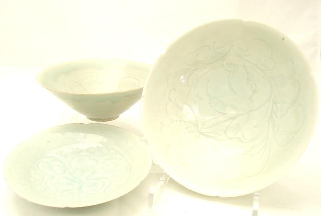 Three qingbai bowls Song