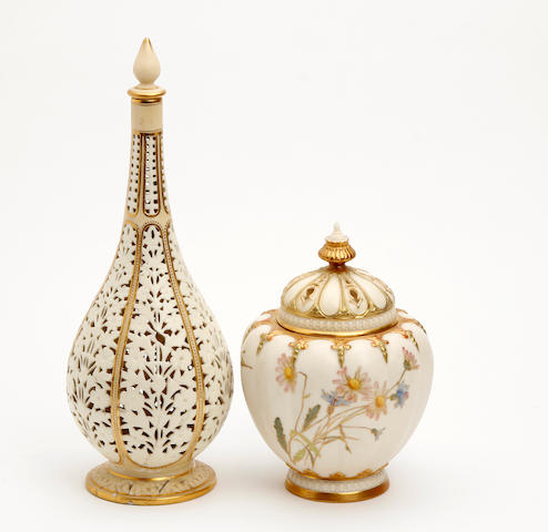 A Worcester China works reticulated vase and cover Circa 1890