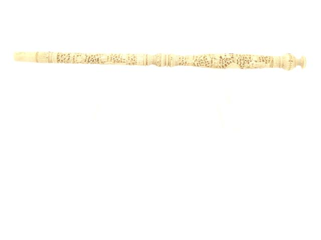 A Canton export ivory parasol handle 19th century