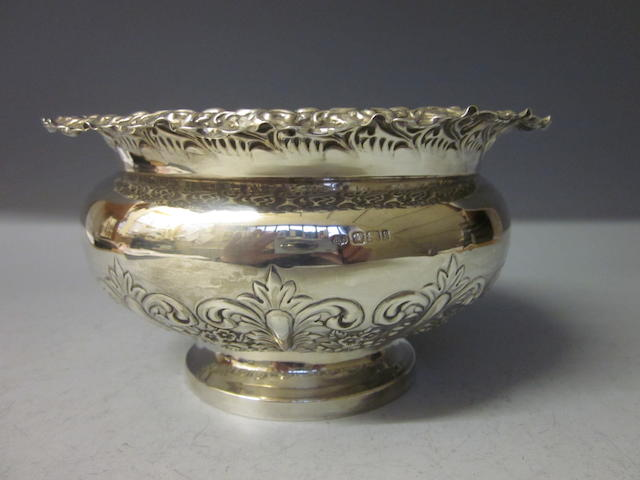 A small silver rose bowl, by Fenton Brothers Ltd, Sheffield 1901,