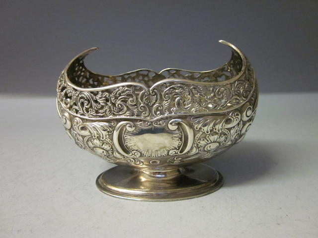 A silver pierced bowl, by Jackson and Fullerton,  Sheffield 1909,
