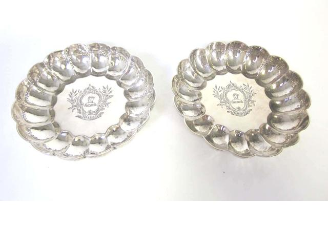 A pair of modern  silver dishes maker's mark 'JHO',  London 1967  (7)