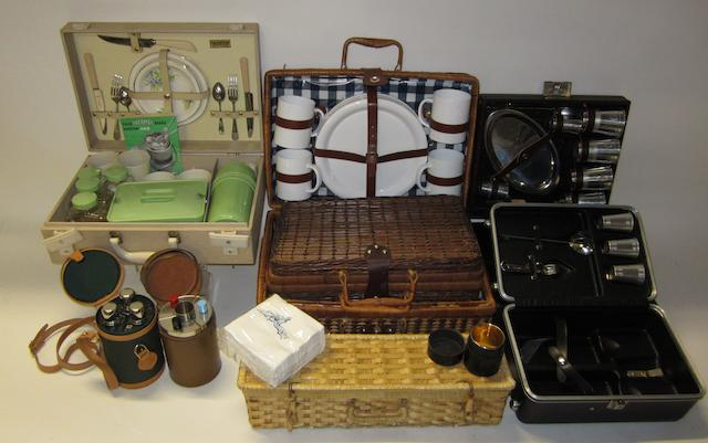 Picnic and travelling cocktail sets,