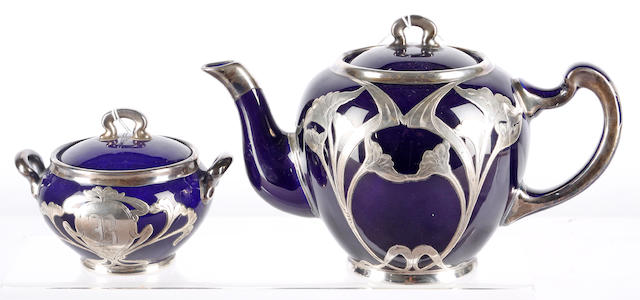 An American Art Nouveau teapot and lidded sucrier stamped Lenox  (2)