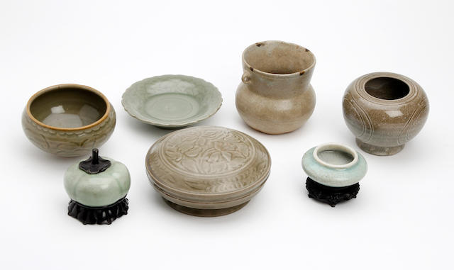 A small collection of Chinese green glazed items
