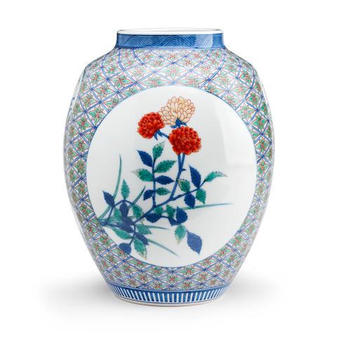 A Kakiemon style vase by Ucho Meiji