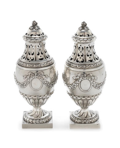 A pair of French silver casters by Hènin & Cie, Paris, with French export mark for 950 standard, 1879-1773  (2)
