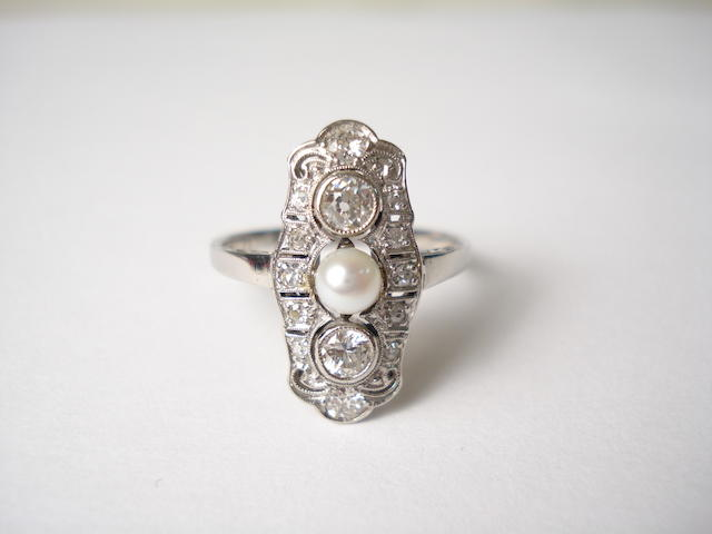 A diamond and pearl cluster ring
