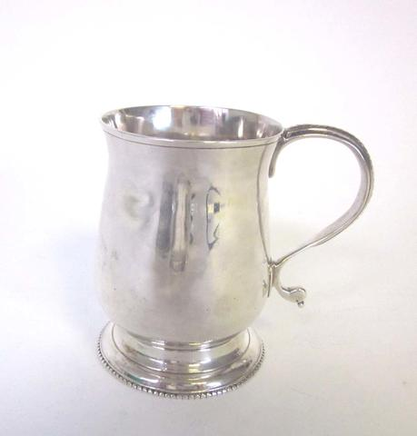 A George III silver drum mustard pot by William Vincent,  London 1775  (4)