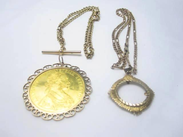 A collection of gold jewellery