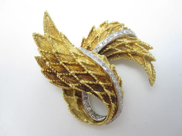An 18ct gold diamond brooch, London 1972