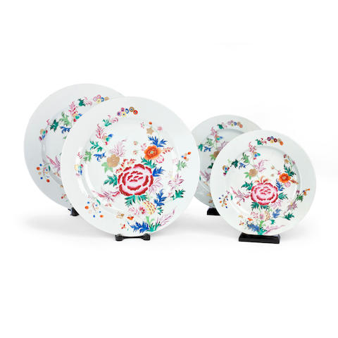 A set of fourteen famille rose plates, Qianlong, 22.7cm diameter