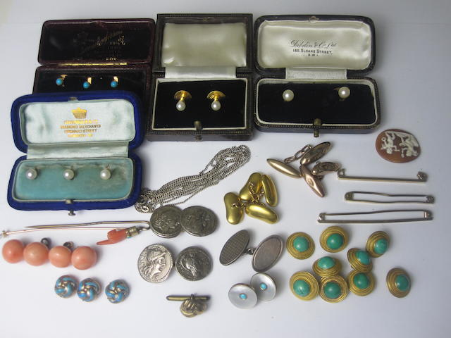 A collection of gentleman's dress jewellery