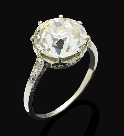 An early 20th century diamond single-stone ring