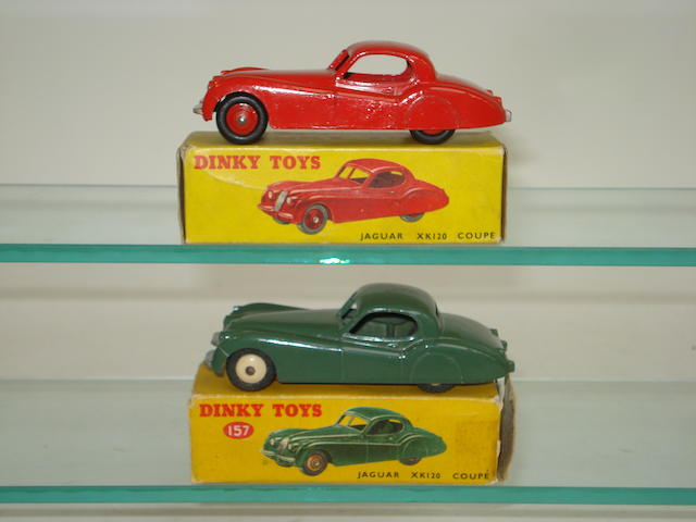 Dinky two 157 Jaguar XK120 Coupé's 2