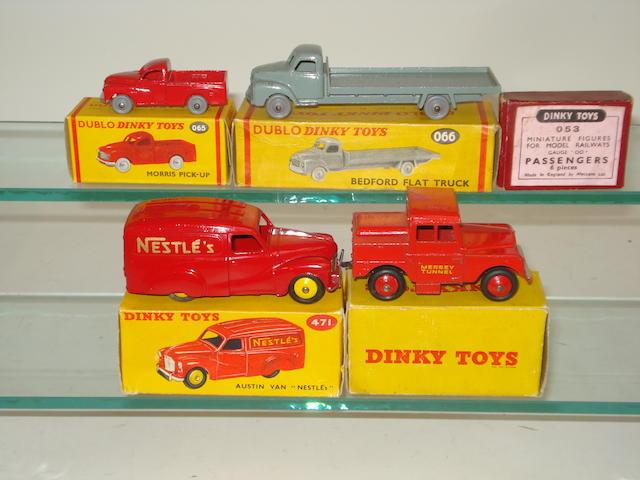 Dinky 471 Nestle's Austin van 5