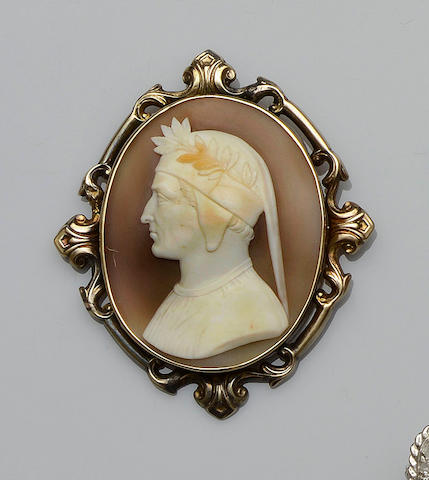 A Victorian shell cameo brooch depicting Dante