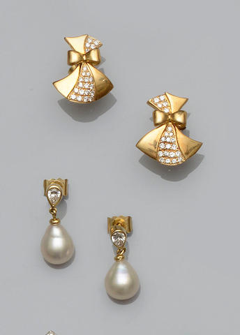 A pair of diamond and cultured pearl earpendants and a pair of diamond earstuds, (2)