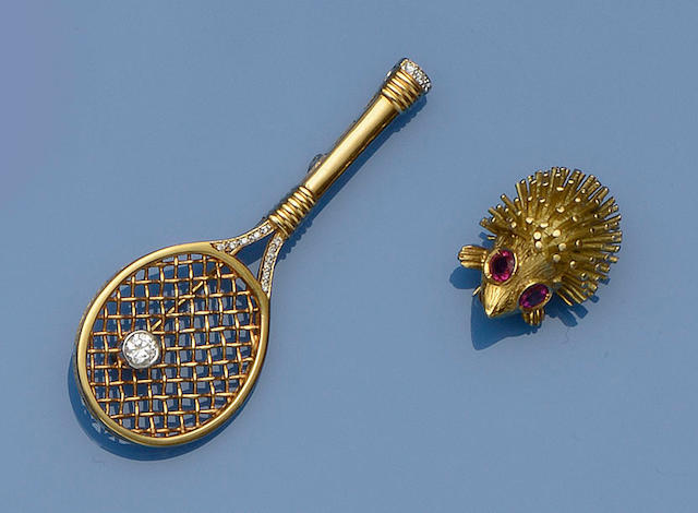 Two novelty brooches (2)